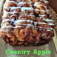 Awesome Country Apple Fritter Bread Recipe (Featured on The Kitchen - Food Network!) No Carb Recipes, Fall Recipes, Bread Recipes, Cooking Recipes, Apple Fritter Bread, Apple Fritters, Apple Bread, Apple Pie, Paleo Carrot Cake