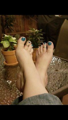 Cute Toes, Pretty Toes, Foot Love, Gorgeous Feet, Women's Feet, Toe Rings, Sexy Legs, Pedicure, Dreams