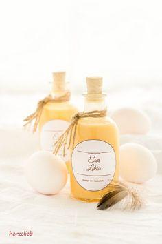 Selbstgemachter Eierlikör - einfaches und leichtes Rezept zum Selbermachen. Schmeckt herrlich und ist ein tolles Geschenk.