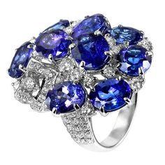 18 Karat Gold Ring with Diamonds of 2.00 ct tw and Tanzanite Diamond Clarity SI1-SI2 Diamond Color G-H Diamond Ct Total Weight 2.00 Metal Type 18 Karat Gold