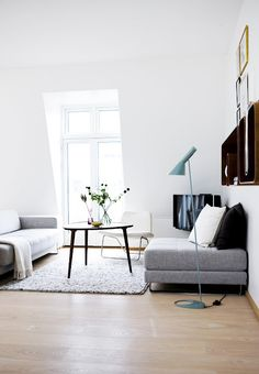 Black and white living room ideas. two simple colors, but what an amazing effect they can have upon the decor of any room. Living Room White, My Living Room, Living Room Interior, Home And Living, Living Room Decor, Living Spaces, Simple Living, Modern Living, Nordic Living
