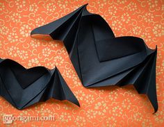 Halloween Origami: Bat-Winged Heart- this links to a really cool video tutorial. ZOMG this is awesome!