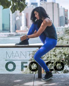 Manifesto LIVE!  Somos apaixonados por moda, saúde e bem-estar.  Aproveite e coloque nosso manifesto em prática! Nosso propósito é inspirar você a alcançar seu sonho de levar uma vida mais ativa, saudável e feliz.  Compartilhe seus melhores momentos e conquistas com a gente marcando #teamlive nas redes sociais.  LIVE! É UM ESTILO DE VIDA! JUNTE-SE A NÓS! Sporty, Live, Style, Fashion, Health And Wellness, Social Networks, Dreams, Happy, Frases