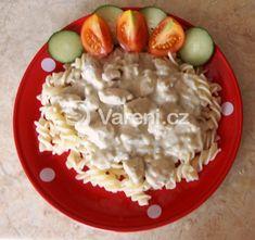 Jednoduchá, výborná a rychlá sýrová omáčka s kuřecím masem na těstoviny. What To Cook, Risotto, Oatmeal, Eggs, Meat, Chicken, Cooking, Breakfast, Ethnic Recipes