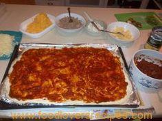 HOE OM TUISGEMAAKTE PIZZA TE VRIES Ciabatta, Hoe, Lasagna, Pizza, Budget, Lovers, Ethnic Recipes, Lasagne, Frugal