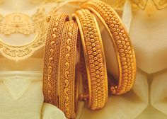 Bangles are beautiful accessories that you can try on with any attire. It just takes the right choice to make. Take a look at these latest gold bangle designs in 20 grams. Gold Bangles Design, Gold Jewellery Design, Gold Jewelry, Gold Necklace, Designer Bangles, Pearl Bracelet, Stone Jewelry, Jewelry Art, Jewelry Ideas