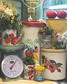 , Imaginative and Creative Decorating with Flea Market Finds - The Cottage Market. , Imaginative and Creative Decorating with Flea Market Finds