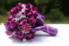 www.mrseventplanner.com Purple Brooch Bouquet, Crown, Jewelry, Jewellery Making, Jewerly, Jewelery, Jewels, Jewlery, Crowns