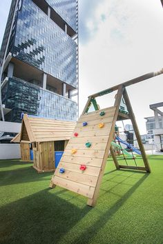 Jungle Gym around the world  on a roofdeck in Singapore!