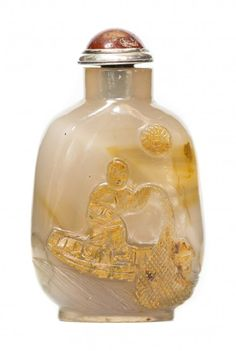 CHINESE CARVED AGATE SNUFF BOTTLE : Lot 171