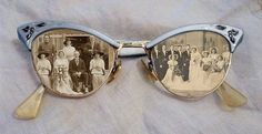 idea for framing old photos, use vintage old eyeglasses or sunglasses as frames; Upcycle, recycle, s Photo Projects, Diy Projects, Photo Craft, Photo Displays, Old Photos, Vintage Photos, Collage Vintage, Vintage Ideas, Altered Art