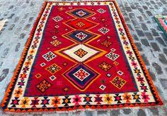 Vintage Bedspread, Vintage Rugs, Retro Vintage, Afghan Rugs, Kilim Rugs, Cool Rugs, Hand Weaving, Family Business, Kilims