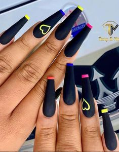 There are many styles of black nails. In addition to the conventional solid color nails, there are many unique practices. In the past, some girls had a prejudice against black nails, and thought that making nails black was a litt Manicure Nail Designs, Cute Acrylic Nail Designs, Nail Manicure, Nails Design, Gel Nail, Summer Acrylic Nails, Best Acrylic Nails, Summer Nails, Aycrlic Nails