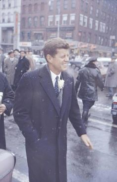 S -John F,Kennedy .. [Kennedy represented Massachusetts' 11th congressional district in the U.S. House of Representatives from 1947 to 1953 as a Democrat. Thereafter,And he served in the U.S. Senate from 1953 until 1960. ❤❁❤✾❤✾❤❁❤  http://en.wikipedia.org/wiki/John_F._Kennedy