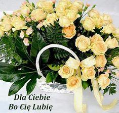 GIFY I OBRAZKI: LUBIE CIĘ Floral Wreath, Wreaths, Home Decor, Floral Crown, Decoration Home, Door Wreaths, Room Decor, Deco Mesh Wreaths, Home Interior Design