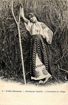 Frankenstein Costume, Romanian Girls, Gypsy Women, Vintage Gypsy, Extraordinary People, Fantasy Costumes, Folk Costume, Gal Gadot, World Cultures