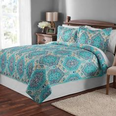 Multicolor Paisley Quilt and Sham Collection adds a pop of color and a whimsical design to the bedroom with an intricate print and a variety of colors. Bright uses of colors paint this bedding set in a running paisley design. Paisley Bedding, Paisley Quilt, Quilt Bedding, Aqua Quilt, White Bedding, Quilt Sets Queen, King Size Quilt, Bed In A Bag, Bed Sizes