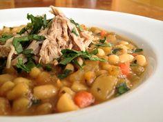 Rôti d'épaule de porc effiloché à l'érable et soupe aux haricots blancs aux légumes racines