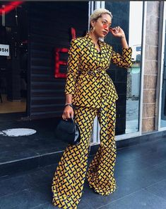 ankara mode This African Print set can be made to order in US sizes 0 - It can also be made to measure in buyer's exact measurement. The Ankara fabric used is cotton, gentle on th African Print Dresses, African Print Fashion, Africa Fashion, African Wear, African Attire, African Fashion Dresses, African Dress, Fashion Prints, African Style