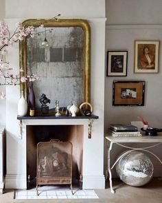 Home Interior Paint eclectic + eccentric art. Home Interior, Interior Styling, Interior Decorating, Interior Design, Interior Paint, Bric À Brac, Piece A Vivre, Inspired Homes, Home Fashion