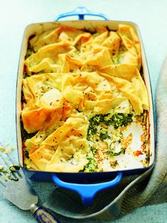 This vegetarian pie costs around £1.50 per person to make. It's a cheap and cheerful meal that looks more expensive than it is!