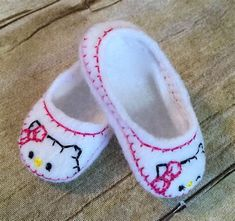 inch Doll shoes, Made to fit inch Dolls like Wellie Wishers, Handmade… Baby Doll Shoes, Girl Doll Clothes, Girl Dolls, Felt Doll Patterns, Doll Dress Patterns, Knitted Dolls, Felt Dolls, American Girl Doll Shoes, American Dolls