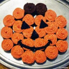 Need an idea for a fun and easy Halloween dessert to serve at a party or school function? This pull-apart Pumpkin Cupcake Cake is super cute and very easy to make!  Because my cake decorating skills are not the best and I am usually running short on...