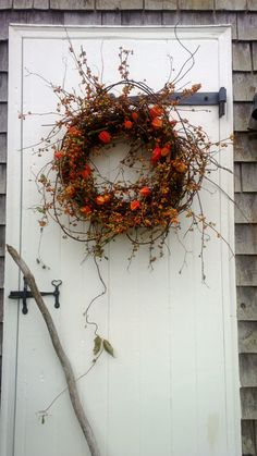 bittersweet wreath, harvest wreath, fall wreath, orange wreath    THIS WREATH WILL BE AVAIBLE IN SEPTEMBER    So pretty! This wreath measures