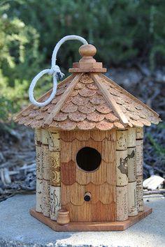 Gazebo birdhouse wood and wine corks par CarefullyCorked sur Etsy, $44.95