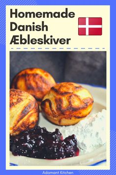 Æbleskiver are a Danish delicacy traditionally eaten at Christmas time. It's a small round cake Kitchen Recipes, Cooking Recipes, Meal Recipes, Breakfast Cake, Breakfast Recipes, Traditional Christmas Cookies, Scandinavian Food, Romanian Food, Recipe From Scratch