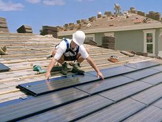 Install Solar PV Roof Tiles and Shingles for Clean, Free Home Energy - Photovoltaic Roofing Products and Design Methods for Free Solar Electricity Diy Solar, Green Building, Building A House, Building Design, Alternative Energie, Solar Power Kits, Solar Licht, House Cladding, Solar Roof Tiles