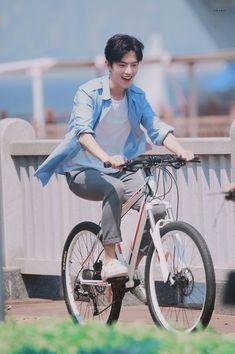 Cute Asian Guys, Asian Boys, Asian Men, Actors Male, Hot Actors, Actors & Actresses, Korea, Web Drama, Chinese Man
