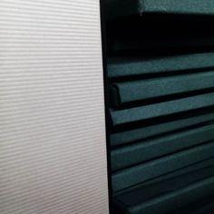 Kartonboxen in diversen Grössen #karton #material #vielfalt #offcut #abschnitt #rest #spring #geschenk #entdeckung #suchen # finden #inspiration #projekt #papier #wellen