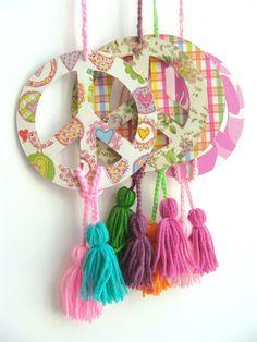 Midori Deco por Alicia Recagno Diy And Crafts, Crafts For Kids, Paper Crafts, Hippie Party, Bohemian Chic Decor, Boho Beautiful, Hippie Love, Crochet Mandala, Diy Wall Art