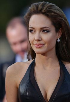 "Angelina Jolie - LA Premiere of ""Mr. & Mrs. Smith"""