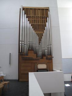 Iglesia de Iesu-Donostia-R. Moneo