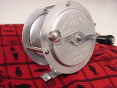 Japan early reel. First 1929 .As dog brand. This reborn after WW2