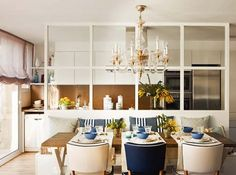 Interior designer Pia Capdevila gave a beautiful triplex a fresh renewal, creating the perfect home for relaxing and entertaining in Barcelona, Spain. Kitchen Interior, Room Interior, Interior Design Living Room, Design Interior, Elegant Dining, Glass Kitchen, Cuisines Design, Dining Room Design, Dining Area