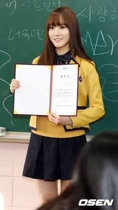gfriend yuju graduating high school yearbook photos