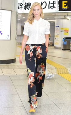 #KarlieKloss wears dries Van Noten Pavlova Floral Silk Paints while out in Tokyo