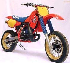 Honda old school supermoto Honda Dirt Bike, Motorcycle Dirt Bike, Honda Bikes, Scrambler Motorcycle, Moto Bike, Racing Motorcycles, Women Motorcycle, Motorcycle Helmets, Vintage Bikes