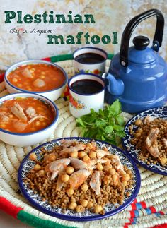 "Maftool ""Palestinian couscous"" with chicken and chickpeas"
