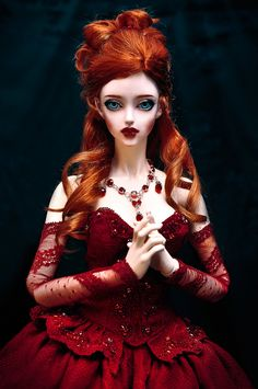 Red Queen puppet. Beauty is a weapon.