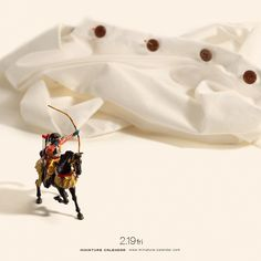 ". 2.19 fri ""Horseback Archery"" . 「拙者がボタンを縫い付けるでござる!」 . #流鏑馬 #やぶさめ #待ち針 #ボタン . ーーーーーーー #写真集第2弾予約受付中 #プロフィールのURLから飛べます ."