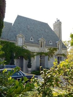 french country/ would love to have! may never get my dream home! French Country Exterior, French Country Cottage, French Country Style, French Farmhouse, French Country Decorating, French Style Homes, Country Style Homes, Country Stil, Country Living