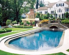 Descend 3 steps from any angle to enter this classic. The grotto with 3 fountains spill into the pool through a rill which creats a tranquil setting. Regional Gold Award