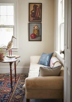 Как выбрать картины для интерьера | Legko.com Paint Colors For Living Room, Living Room Decor, Living Spaces, Living Rooms, Cheap Beach Decor, Cheap Home Decor, Undone Look, Sea Captain, Black And White Interior