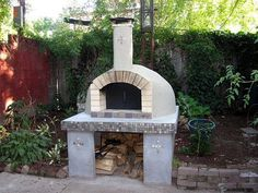 Home pizza ovens gallery photographed at homes throughout the world. These pizza oven photos serve to provide inspiration and instruction for those planning to build their dream outdoor kitchen using a Forno Bravo pizza oven. Home Pizza Oven, Build A Pizza Oven, Pizza Oven Outdoor, Outdoor Cooking, Wood Oven, Wood Fired Oven, Wood Fired Pizza, Wood Pizza, Backyard Kitchen