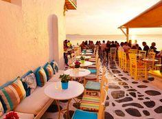 夕暮れ時ミコノス島 海辺のレストラン Sunset in Mykonos Greece in between yoga classes #sunset #mykonos #greece