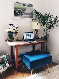 I går gjorde jag en ny skrivbordshörna hemma. Jag har saknat att ha ett riktigt skrivbord och har egentligen inte ritkigt plats meeeen det…